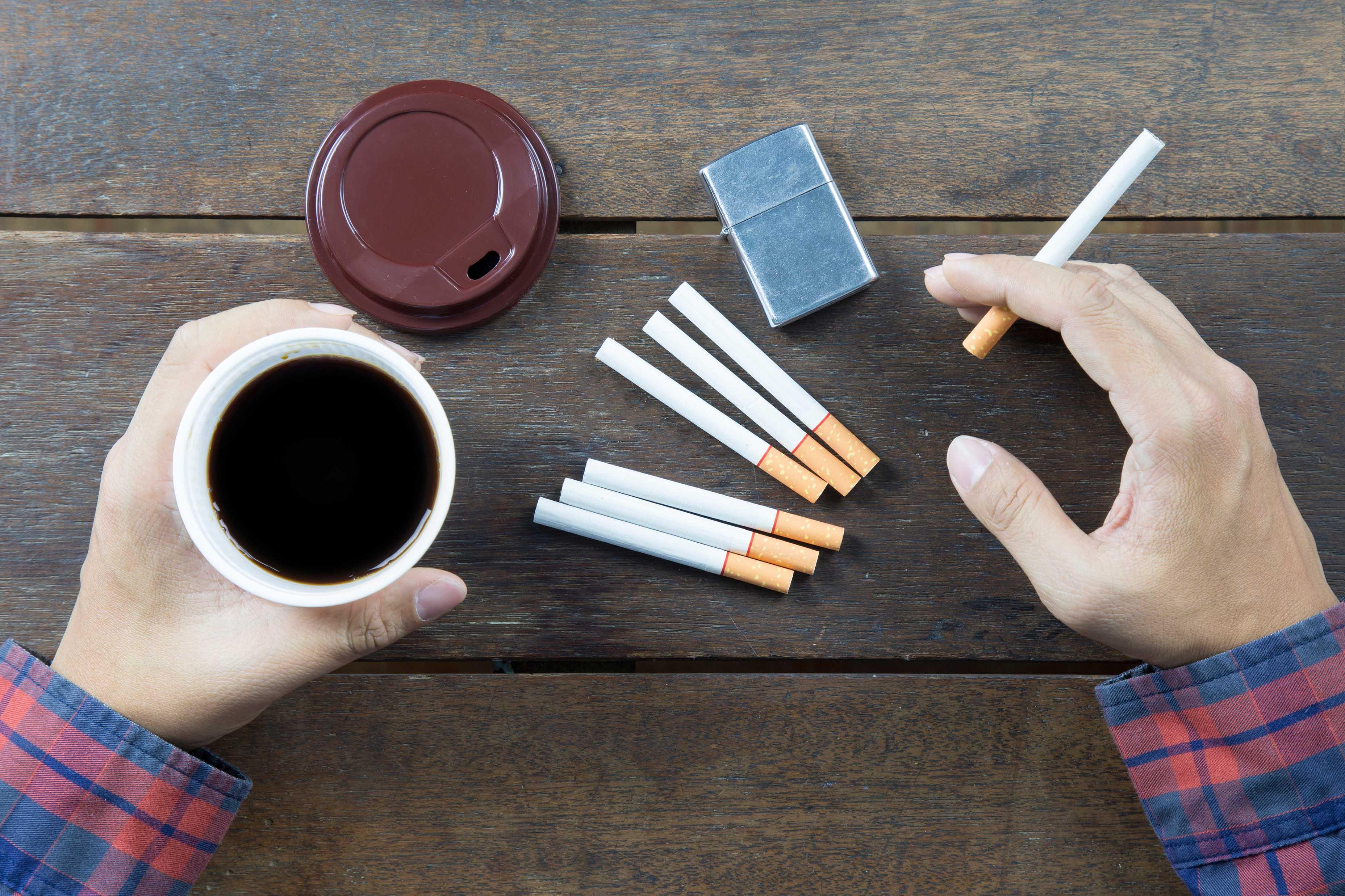 咖啡因、尼古丁和酒精會影響睡眠