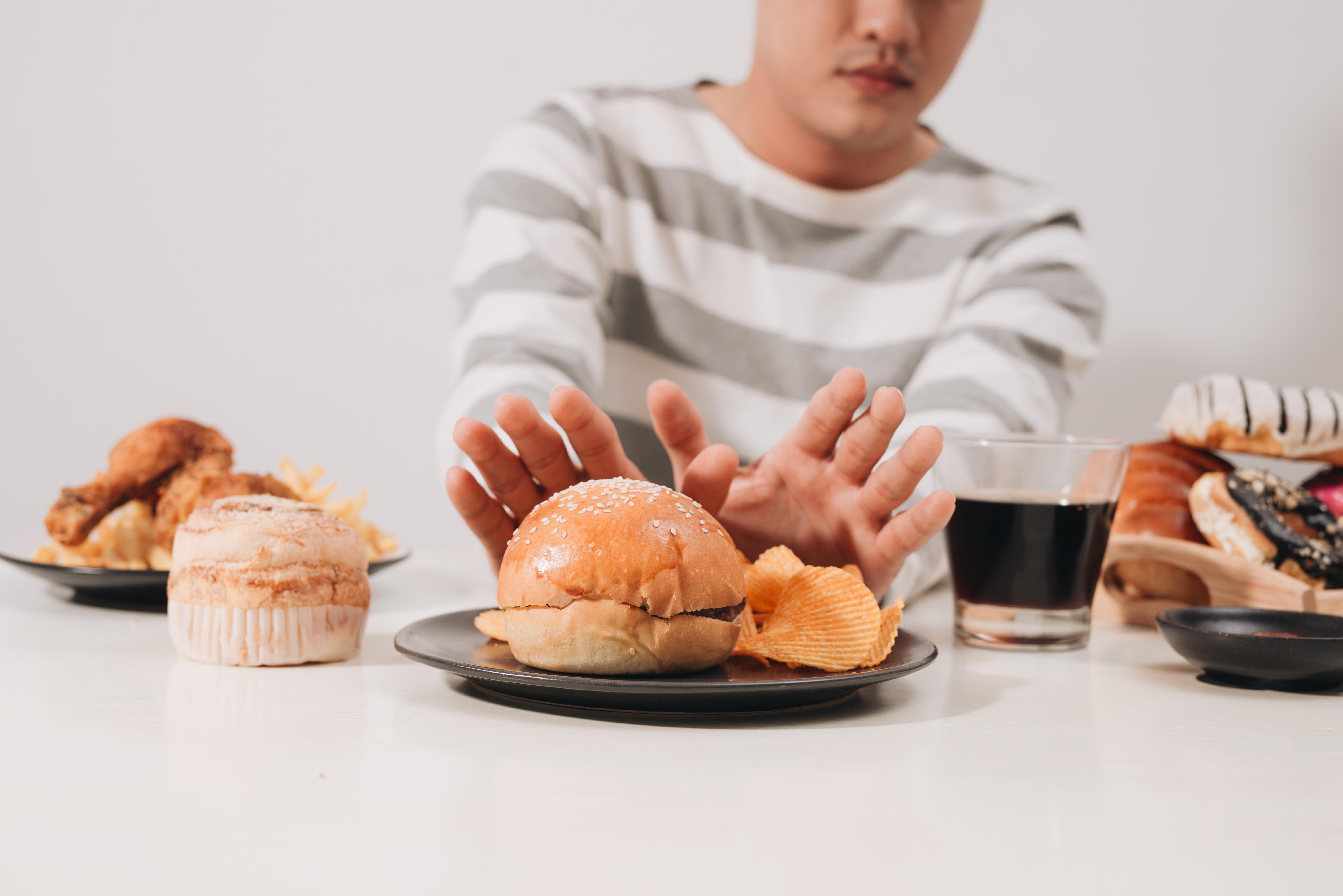 飲食不慎,獨愛生冷、甜食、黏膩食品易傷脾胃,而脾胃身為氣血生化的源頭